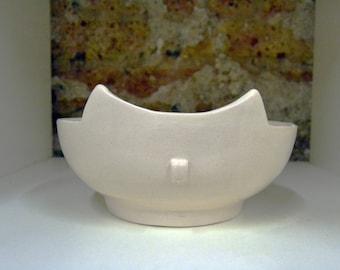 Cat-shaped ceramic bowl, cat bowl