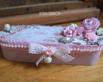 Shabby pink pencil box