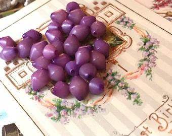 10 Vintage lucite Beads, Purple beads, Bicone beads, Unique beads, vintage beads, vintage findings, Destash beads, Rare beads, #1151B