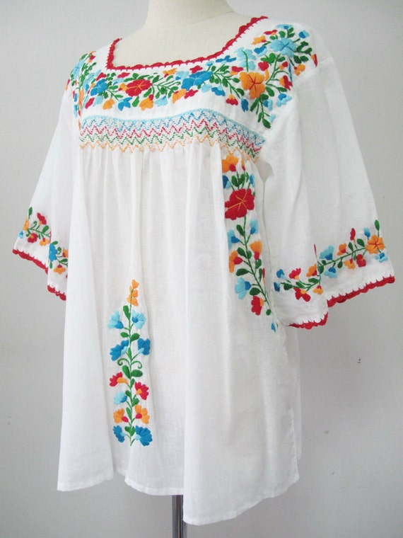 Mexican blouse, Mexican blouse embroidered, blouses mexican embroidered,  authentic embroidered mexican blouses, mexican embroidery white