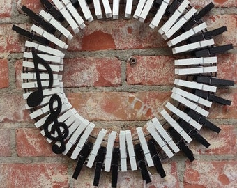 14 Inch MUSIC PIANO Key Clothespin Wreath