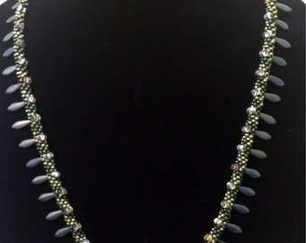 """TUTORIAL ONLY - """"Daggers and Dots"""" Kumihimo Necklace"""