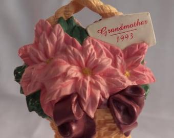 "Vintage 1993 Hallmark QX5665 ""Grandmother"" ornament"