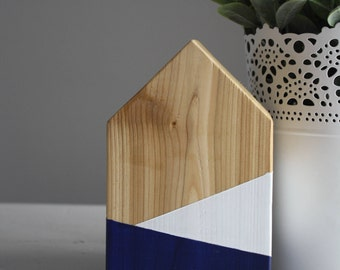 Decorative house / Small wooden house