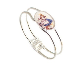Alice in Wonderland bracelet DRINK ME bangle
