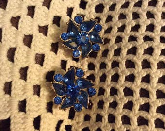 Vintage 1950s Earrings Screw Backs Light Blue Stones Gold Tone Color Metal Unsigned