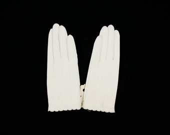 Vintage White Leather Gloves - Lined - Wrist Gloves - Size Large - Women's Winter - Bridal