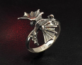 Dragon ring, sterling silver ring for women, dragon charm, silver dragon, fantasy jewelry, gift for her, silver jewelry, medieval charm