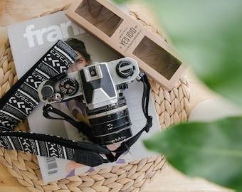 Black & White / Large size - Camera Strap