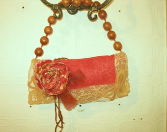 Dorothy...Vintage Hankie Clutch Bag with Wooden Ball Handle