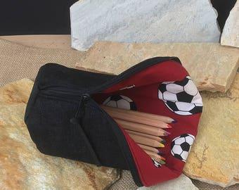 Feather pencil, Stiftemäppchen, mess Perl, pencil case, pen case holder, football motif