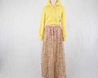 1970s Pagodas and Bird Maxi Dress Hostess Dress