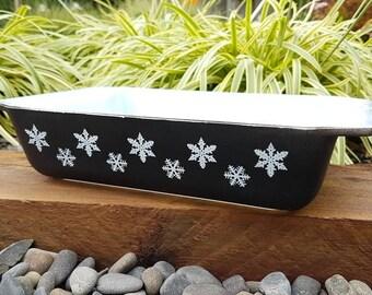 Pyrex Black Snowflake Deep Spacesaver. Black Snowflake Oblong Pyrex, Oblong Spacesaver, No 2162 Casserole Dish. New Zealand. Jaj Black Pyrex