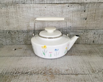 Teapot Enamel Teapot with Resin and Metal Handle Farmhouse Chic Tea Kettle Vintage Enamel Teapot with Flowers Cottage Chic Kitchen Decor