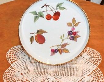 Amazing Vintage Worcester Evesham Gold Fruits 7 Inch Porcelain Round Fluted Flan  Dish Baker