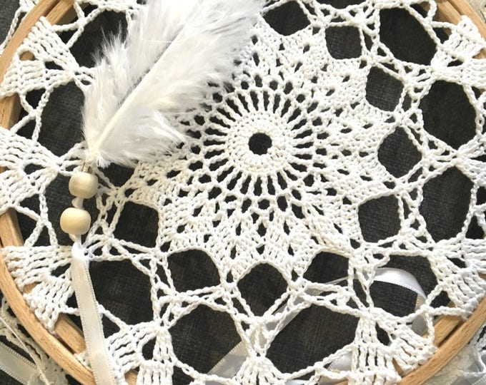 Dream catcher wall white and wood