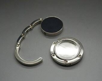 support(medium) hangs silver bag (C58)