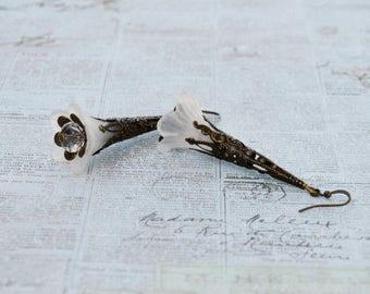 SALE - White Bell Flower Earrings, Vintage Inspired Lucite Flower Earrings