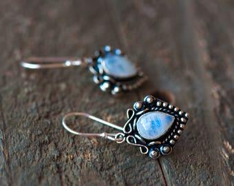 Rainbow Moonstone Drop Earrings,Gemstone Earrings,Sterling Silver Earrings,Rainbow Moonstone Stone Dangle,Silver Moonstone Earring,Moonstone