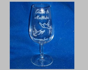 Inao Inscriptions and design choice wedding wine glass