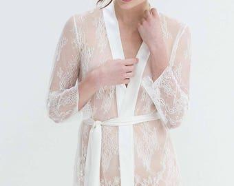 Retro Chic Classic Lace Bridal Robe ivory, pure white, black