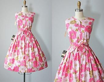 50s Dress - Vintage 1950s Dress - Vivid Pink Metallic Gold Floral Print Cotton Sundress S - Don-About Dress