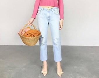 Distressed Light Wash Wrangler Jeans (M)