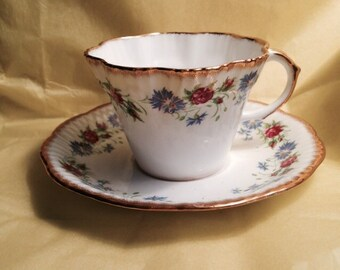 Country Garland Salisbury bone china teacup and saucer