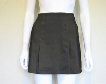 Dark Green short 90s skirt
