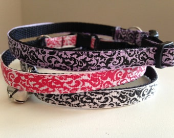 Damask Swirl Print Cat Collar in Black and White, Purple or Pink