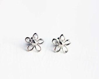 Silver Daisy Studs, Daisy Studs, Flower Studs, Silver Flower Studs