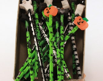 Vintage New Halloween Novelty Eraser Topped Pencils Made in USA. Box of 21 - 8 Ghosts, 11 Bats, 2 Pumpkins