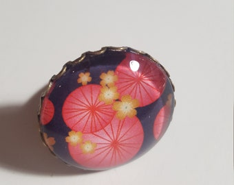 Big ring glass cabochon round Japanese inspiration