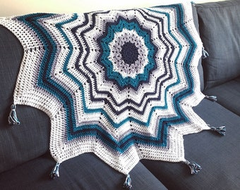 Boho star blanket with tassels