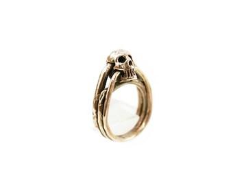 Small Skull Ring - Brass Skull Ring - Skull Ring - Mini Skull Ring - Elegant Skull Ring - Rocker Skull Ring - Goth Skull Ring - Biker Ring