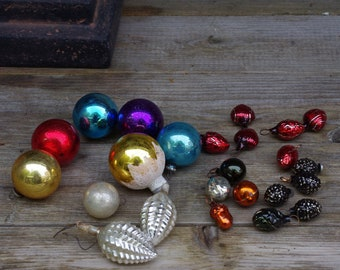 Lot of Vintage Christmas Ornaments