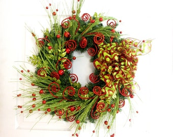 Christmas Wreath, Red and Green Wreath, Holiday Wreath, Front Door Wreath, Red Wreath, Christmas Decoration, Holiday Decor, Christmas Mantel