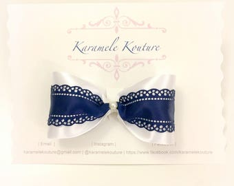 "4"" Principessa (white , blue , scallop hairbow )"
