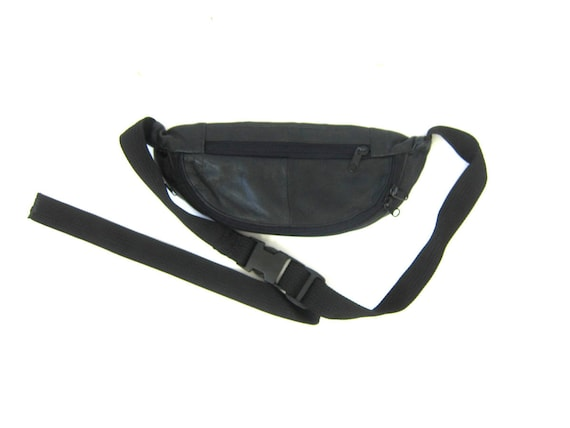 Vintage black leather 1980s FANNY PACK purse Unisex retro Hipster Walking Jogging Waist Wallet Bag