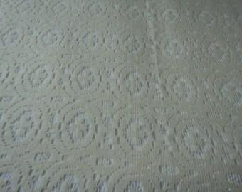 Vintage Italian cream lace bedspread or throwover (05095)