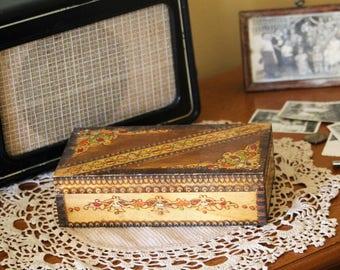 Jewelry Box - Hand Carved Wooden Box - Wood Lidded Box - Vintage Memory Box - Keepsake Box - Small Trinket Box - Gift For Mom - Gift Idea
