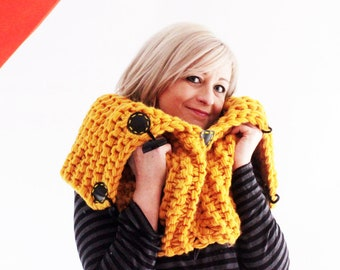 Knoodle - Yellow - Chunky snood – Snood scarf – Hand knitted – Versatile scarf – Thick scarf – Hooded scarf - Cowl - Super chunky - Eternity
