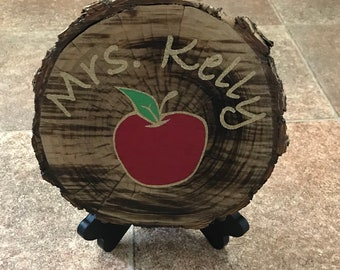"Customizable log art- The logs are between 7""-10"" in diameter, the logs can be stained to any color. Any design can be added to the logs."