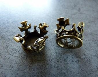 Bronze Crown charm in volume
