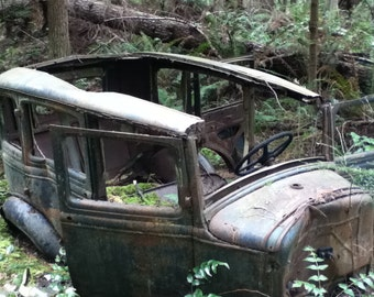 Photo magnet - the old car