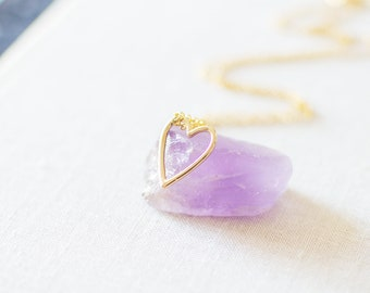 Gold Heart Charm Necklace. Heart Shape Pendant Necklace. Valentines Gift Idea. Love Necklace. Dainty, Delicate, Simple.