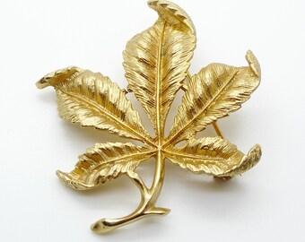 Sarah Coventry Gold Tone Leaf Design Brooch Vintage 1970s Signed