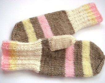 Women Mittens, striped gloves, wool mittens, winter accessory, beige winter gloves, mittens for women, cozy mittens, pink gloves.