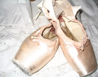 Vintage Lace Ballet Shoes