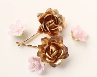 Gold metal flower bobby pins, Gold rose hair pin set, Golden flowers for bride, Wedding hair accessory, Gold metal flower hair clips
